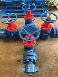 "China WKM Valve Type Wellhead Christmas Tree 3 1/8""-5000psi Blue And Red Painted factory"